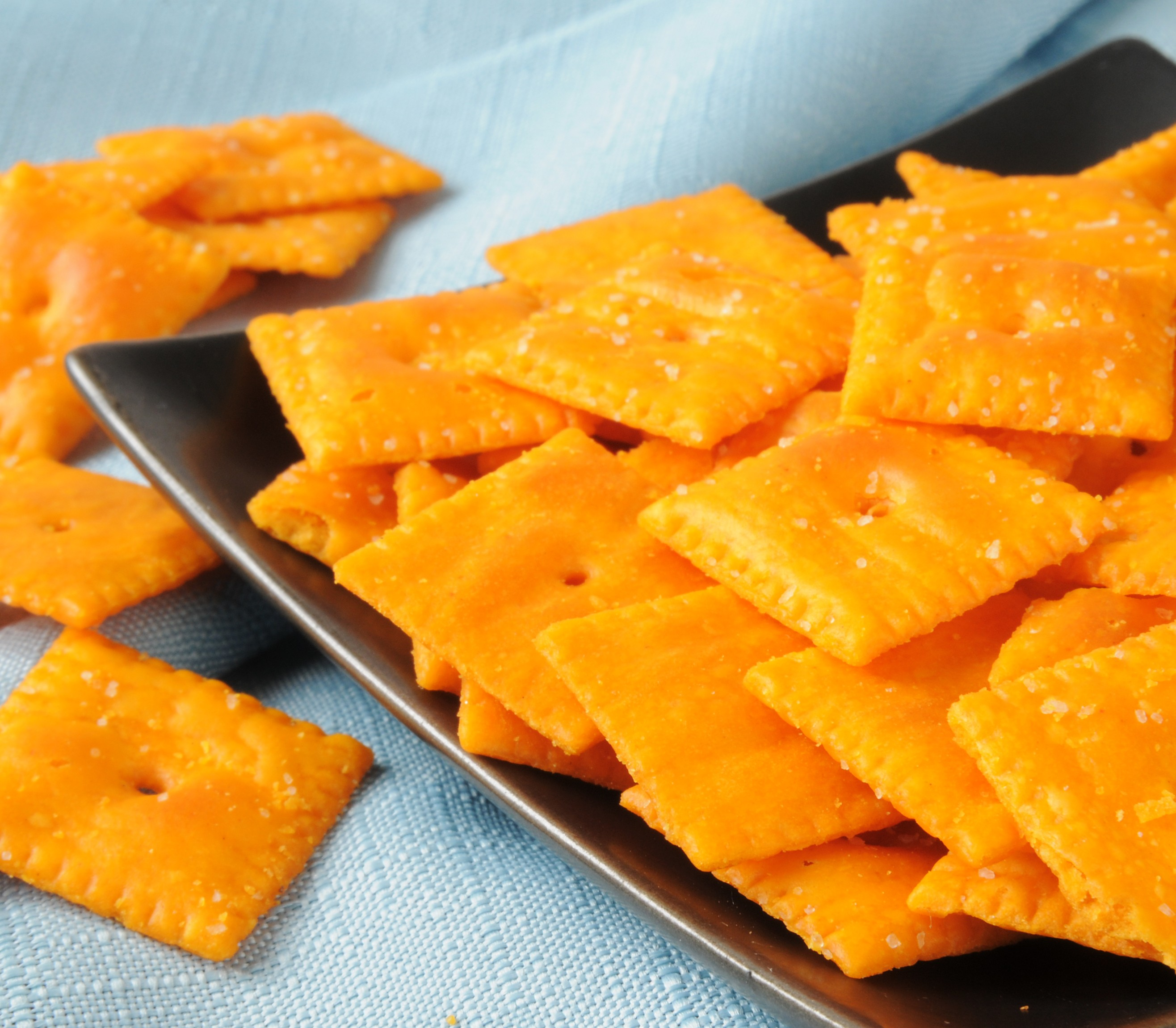 Cheese Flavour Cracker Snacks